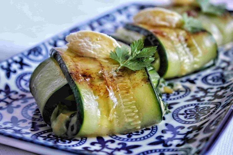 Raviolis de calabacín rellenos de requeixo y espinacas
